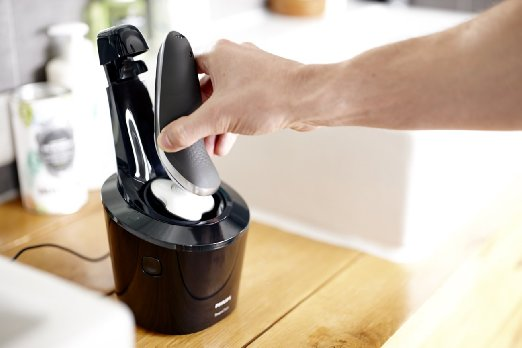 Philips Norelco Shaver 7300 Cleaning Station